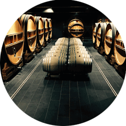A careful service to fill your cellar in total peace of mind